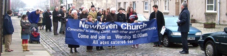 Photo of congregation in Newhaven Main Street