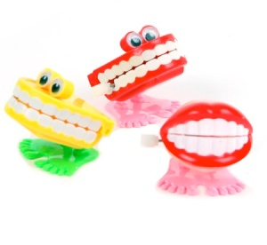 Picture of wind-up dentures with eyes!