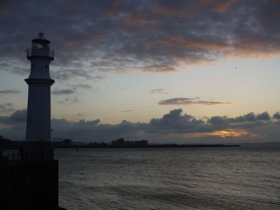 Image of Newhaven Lighthouse at dusk